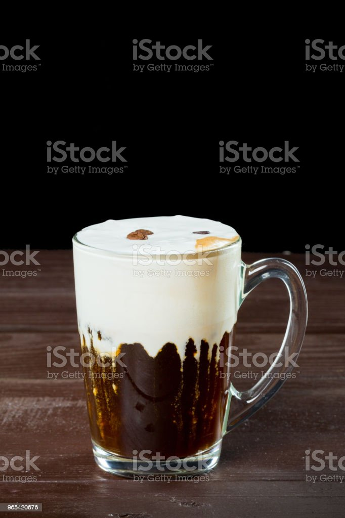 Irish coffee on the dark wooden background zbiór zdjęć royalty-free