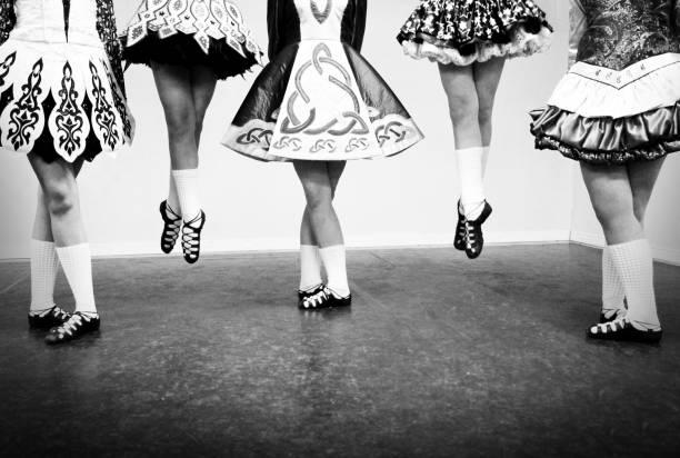 danse irlandais - irlande photos et images de collection