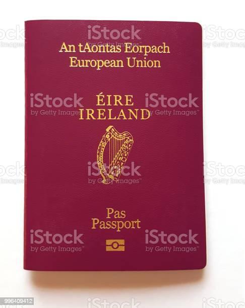 Irish passport cover picture id996409412?b=1&k=6&m=996409412&s=612x612&h=0cpzy96lsxfv2r1womq4l6fe2a5a92bfhv0mqehvalu=