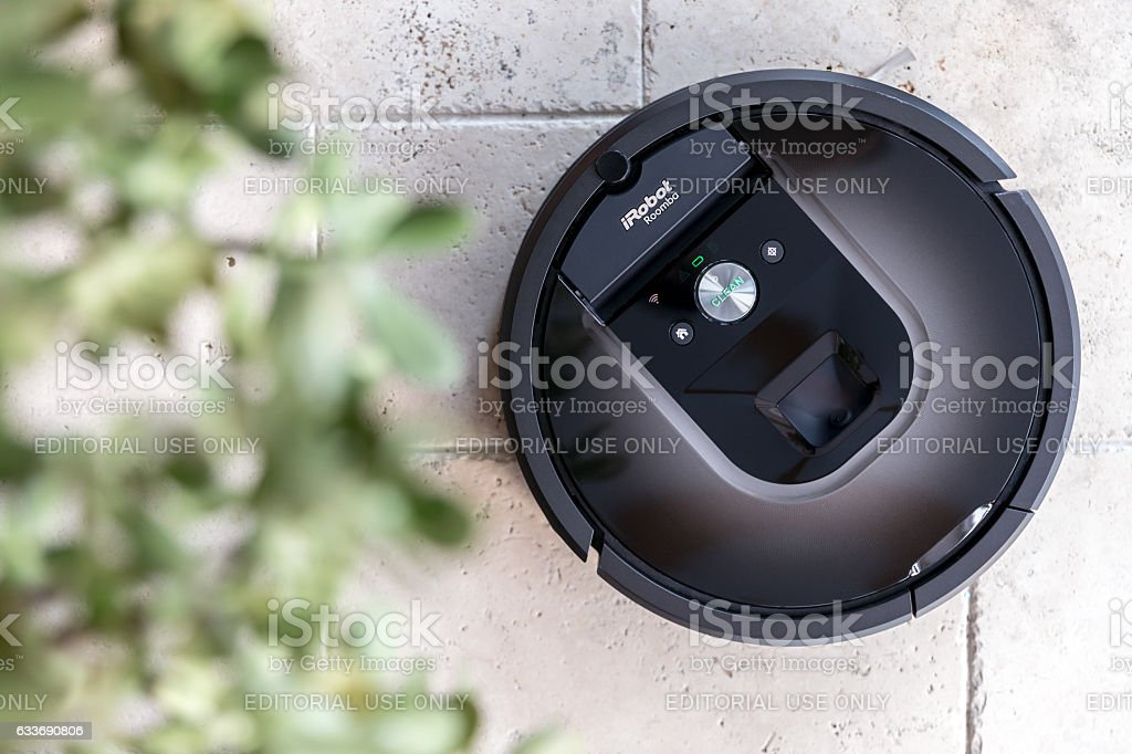 Irobot Roomba 980 Cleaning Vacuum Stock Photo Amp More