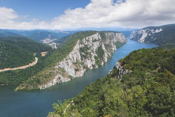 iron gate of the danube river between serbia and romania, djerdap national park - serbia foto e immagini stock