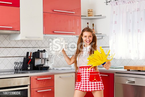 1081403344 istock photo is cleaning time 1007239024