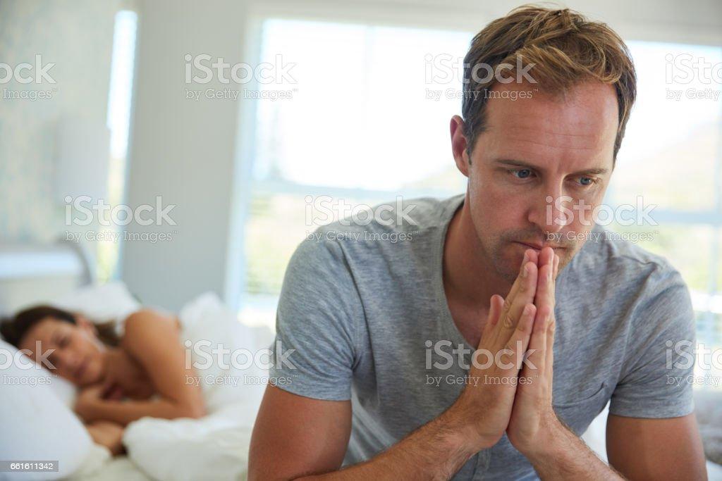 discutiendo con la esposa disfunción eréctil