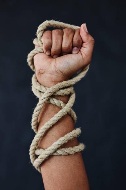 현대의 노예제도는 우리의 한가운데에 있습니까? - black power 뉴스 사진 이미지