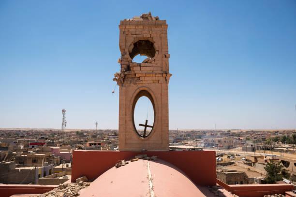 ISIS-beschädigte Glocke Turm der Kirche der Unbefleckten Empfängnis in Qaraqosh, Irak – Foto