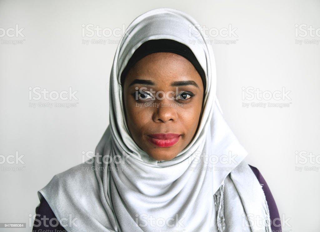 Islamische Frau Porträt Blick in die Kamera – Foto
