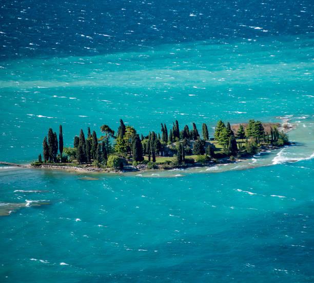 island of saint biagio - ломбардия стоковые фото и изображения