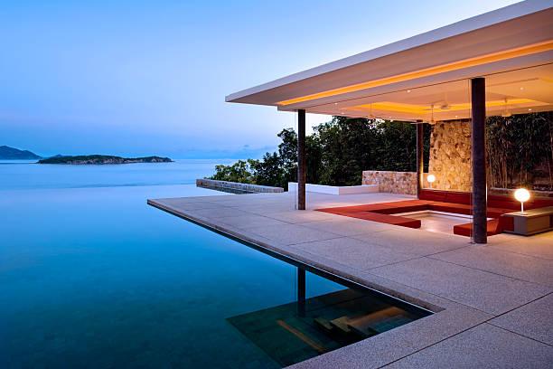 island villa sonnenaufgang - ferienhaus thailand stock-fotos und bilder