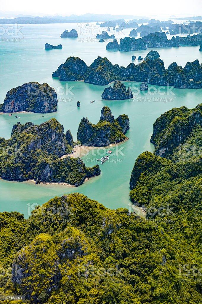 Islas de Ha Long Bay, Vietnam - foto de stock