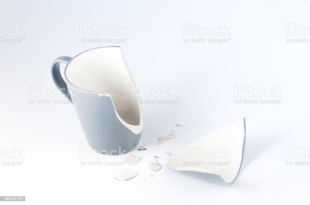 Isolieren Der Zerbrochene Krug Zerbrochene Tassen Und