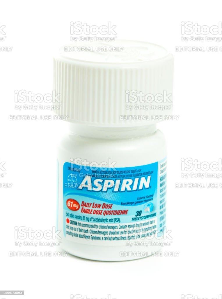 Isolierte Flasche Daily Low Dosis Bayer Aspirin – Foto