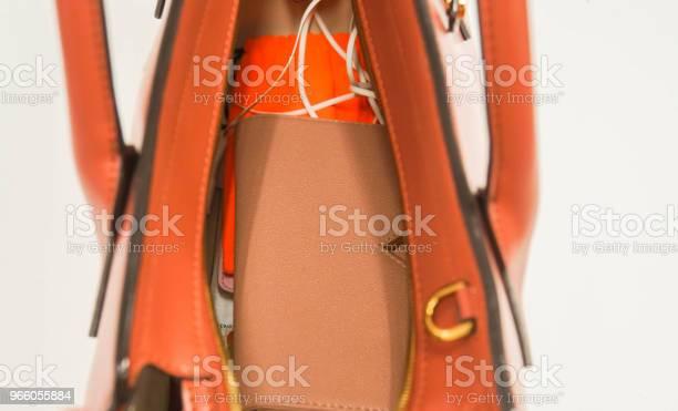 Isolerade Närbild Kvinna Plånbok I Naken Färg Och Tillbehör I Personlig Läder Handväska-foton och fler bilder på Arbeta