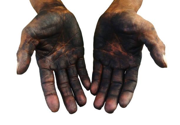 isolierte schmutzige hand des arbeiters nach der arbeit hart für eine lange zeit auf weißem hintergrund - unhygienisch stock-fotos und bilder