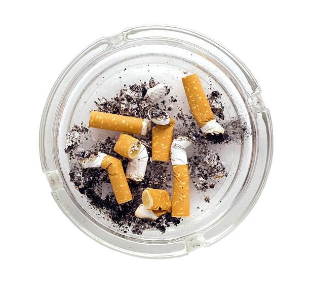 posacenere - cicca sigaretta foto e immagini stock
