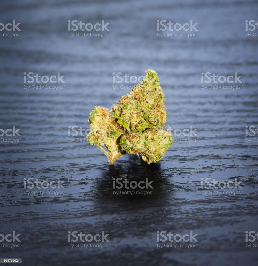 Isolated Marijuana Nug - Royalty-free Arrumado Foto de stock