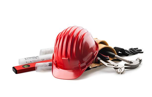 격리됨에 레드 단단함 모자 도구를 인명별 - 건설 장비 뉴스 사진 이미지