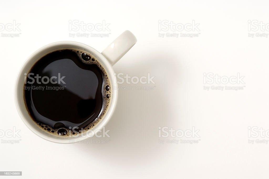 Isolated shot of чашкой черного кофе на белом фоне - Стоковые фото Без людей роялти-фри