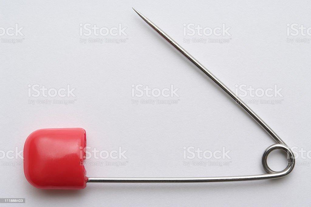 Puste zdjęcia z otwarty czerwone Agrafka na białym tle – zdjęcie