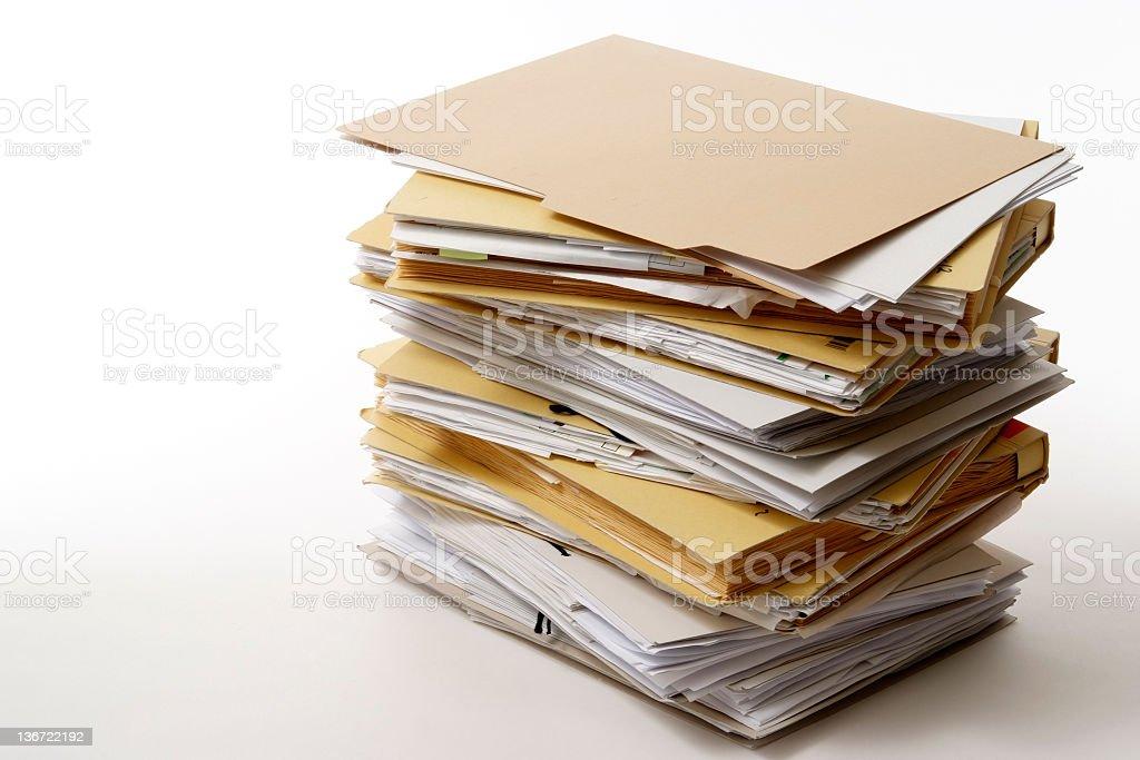 Toma de apilado archivos aislado sobre fondo blanco - foto de stock