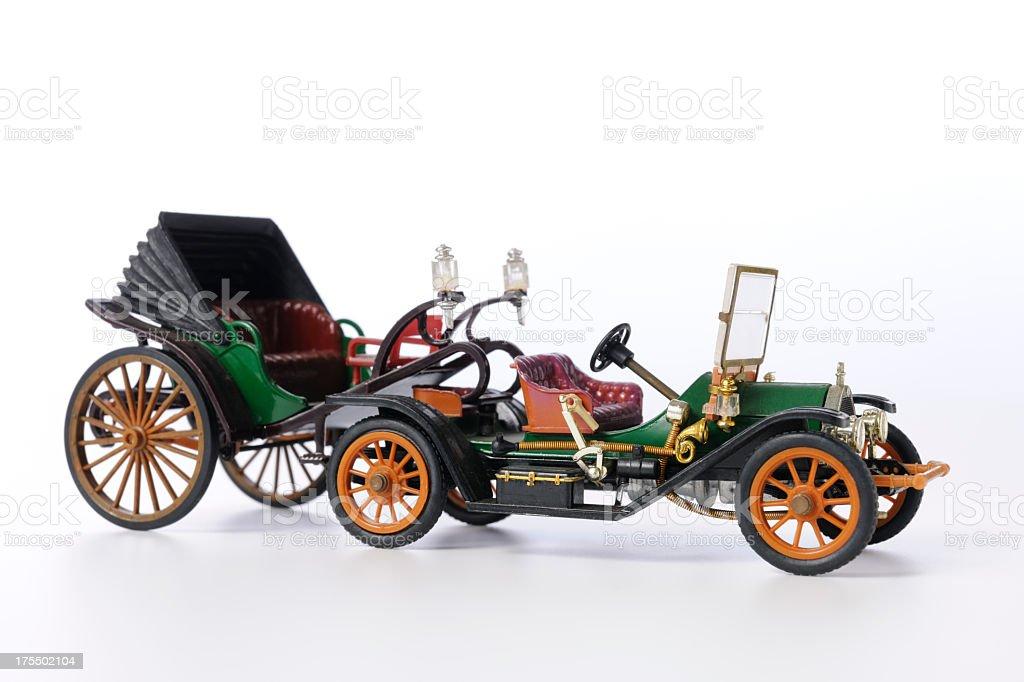 Isolierte Schuss von vintage Spielzeug classic Auto auf weißem Hintergrund – Foto