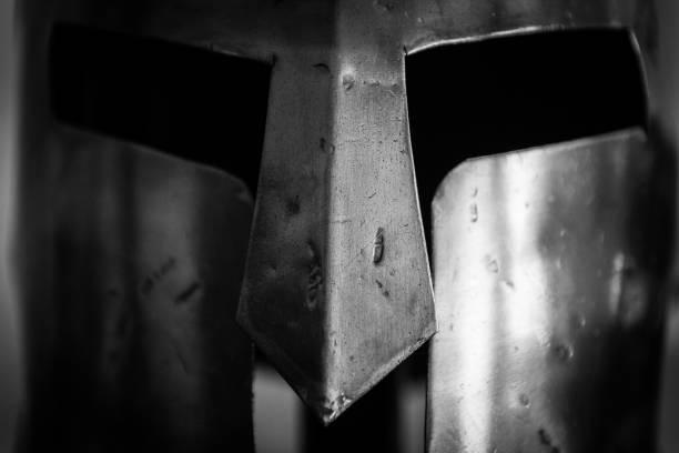 孤立的單近斯巴達勇士金屬頭盔300圖像檔
