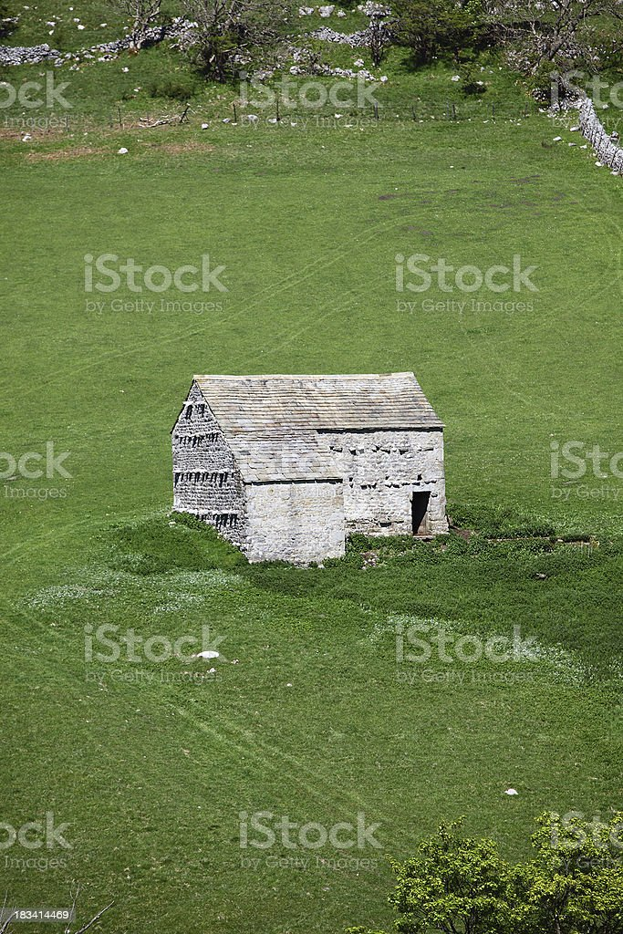 Isolated stone barn, Yorkshire stock photo
