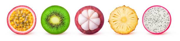 tranches de fruits tropicaux isolés - fruit de la passion photos et images de collection