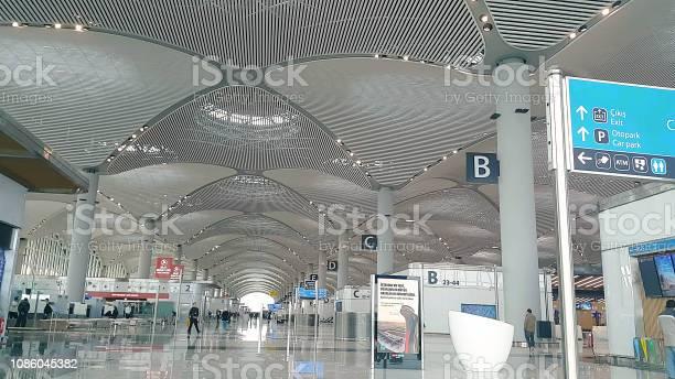 Istanbul airport istanbuls new airport picture id1086045382?b=1&k=6&m=1086045382&s=612x612&h=qshuq7wkzo j xohurzlgn4iqzi3rxwbnafbh3wdcqi=