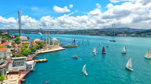 istanbul bosphorus bridge, turkey - стамбул стоковые фото и изображения