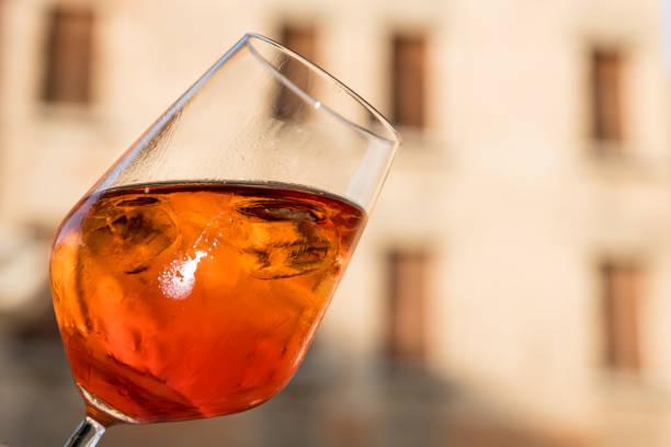 Italian aperitif with ice – zdjęcie