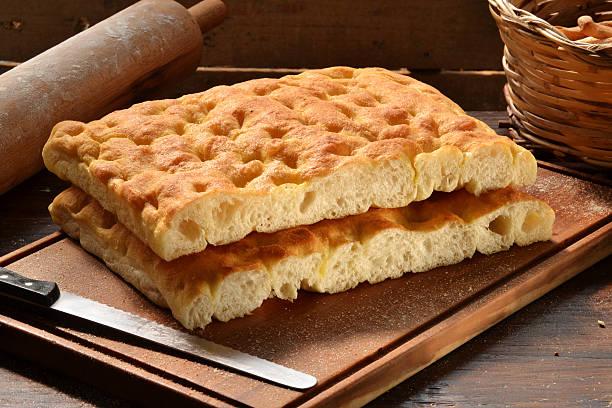 il pane italiano. - focaccia foto e immagini stock