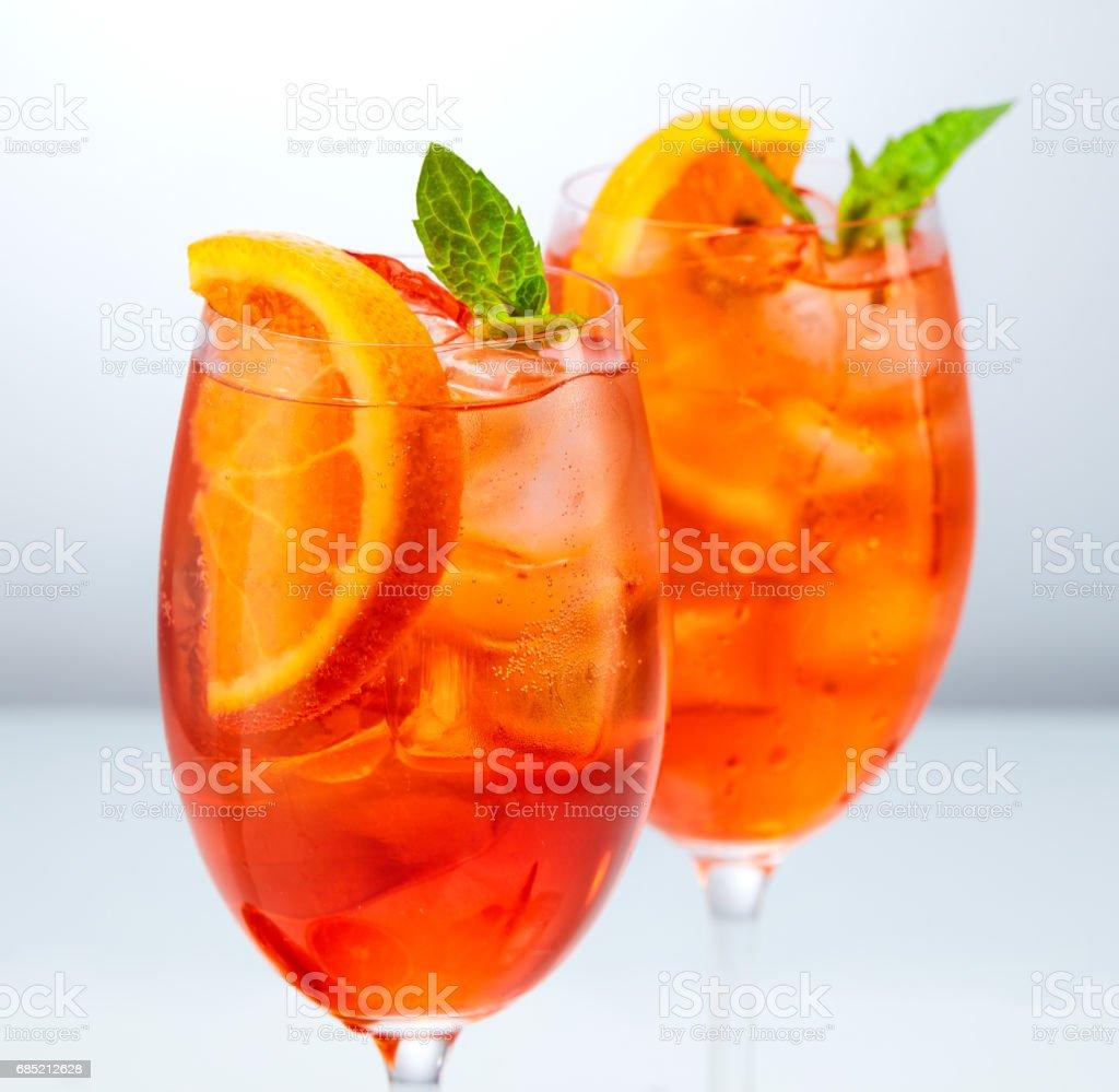 Italienischer Cocktail Aperol Spritz Stock-Fotografie und mehr ...