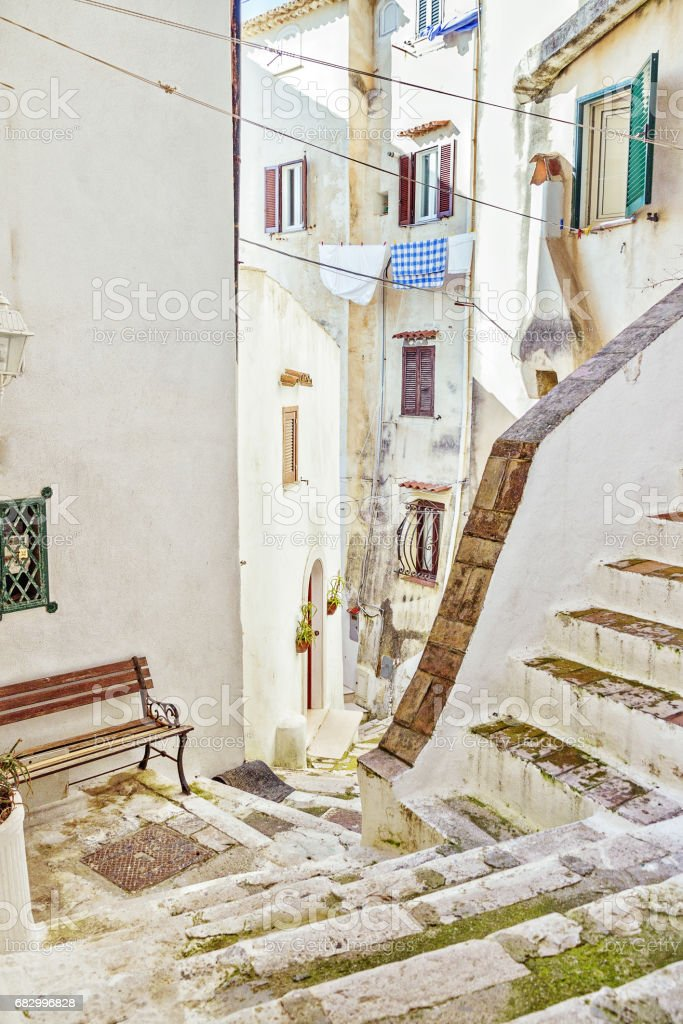 Italian courtyard in Sperlonga, , Italy foto de stock royalty-free