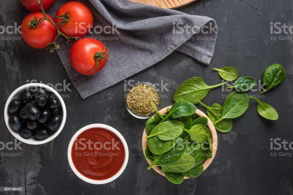 Italienische Küche Mediterrane Küche Tomaten Blattspinat Oregano ...
