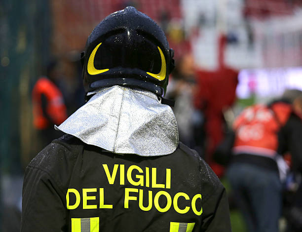 Italian firefighter  with the written FIREFIGHTERS – Foto