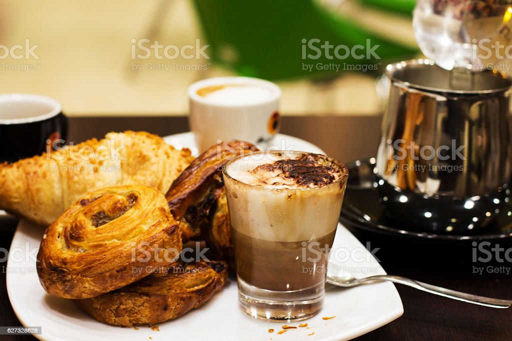 italian good breakfast - foto de stock