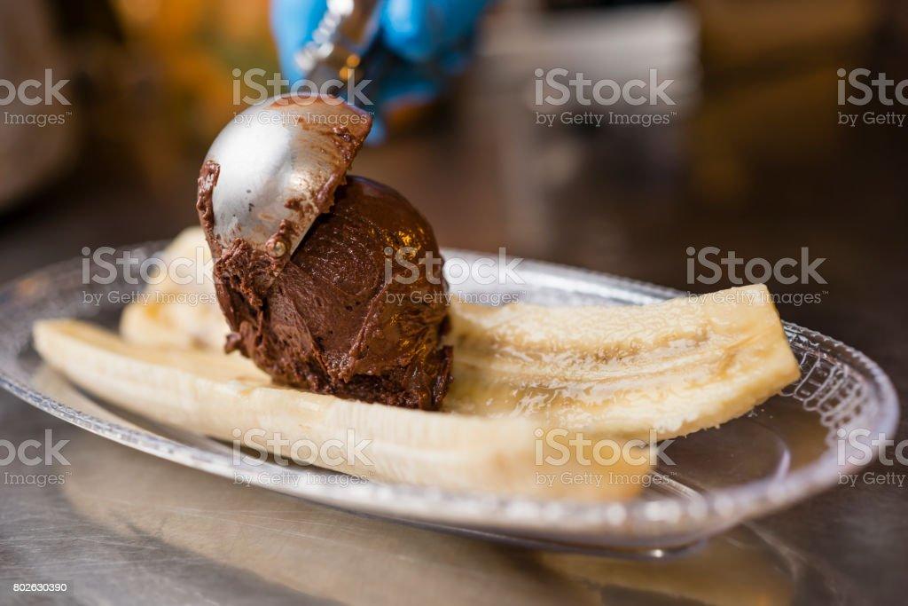 Préparation artisanale de glaces italiennes - Photo
