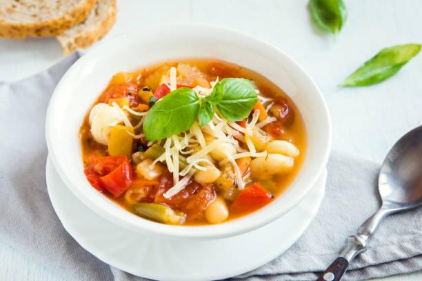 italian minestrone soup - minestrone foto e immagini stock