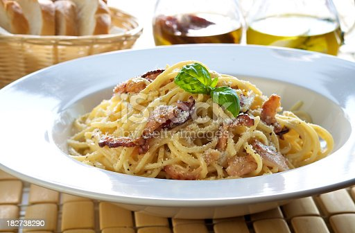 Linguine pasta with classiic carbonara sauce