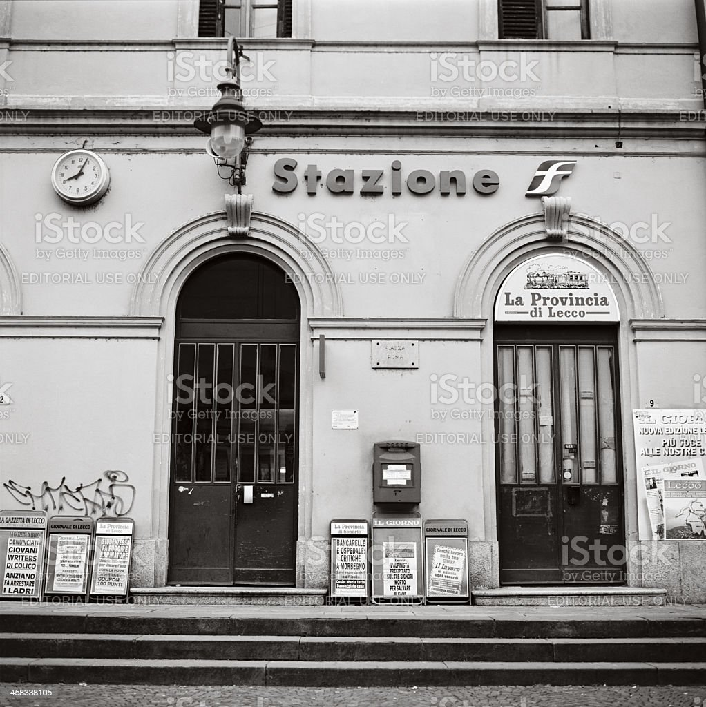 Italian railway station and newsagent - Edicola e stazione ferro stock photo