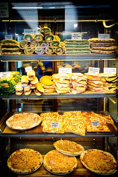 italienische sandwiches - vitrinenschrank stock-fotos und bilder