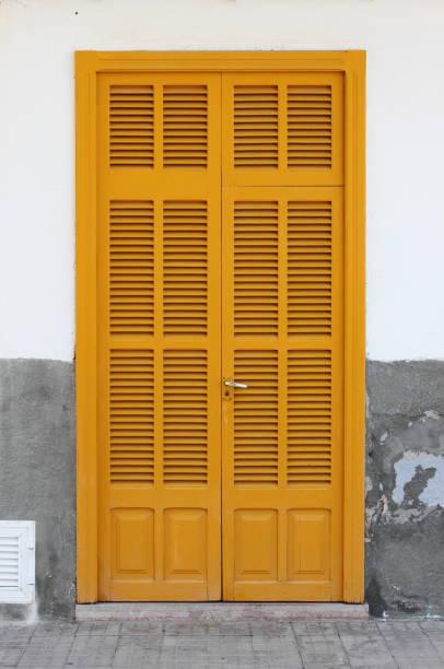 Italian style house entrance - foto de stock