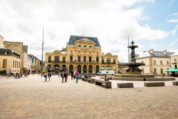 Italian Theater and fountain Mouchel in the city of Cherbourg-Octeville, Normandy, France Cherbourg-Octeville, France - August 21, 2018: Place du General de Gaulle, the Italian Theater and fountain Mouchel in Cherbourg, Normandy, France manche stock pictures, royalty-free photos & images