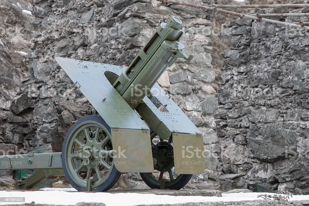 italian wheeled howitzer  used in second world war stock photo