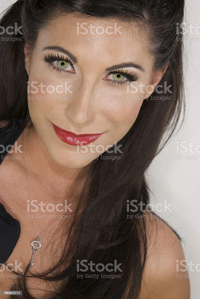 이탈리어어 가진 여자 어둡습니다 헤어 및 녹색 아이즈 royalty-free 스톡 사진