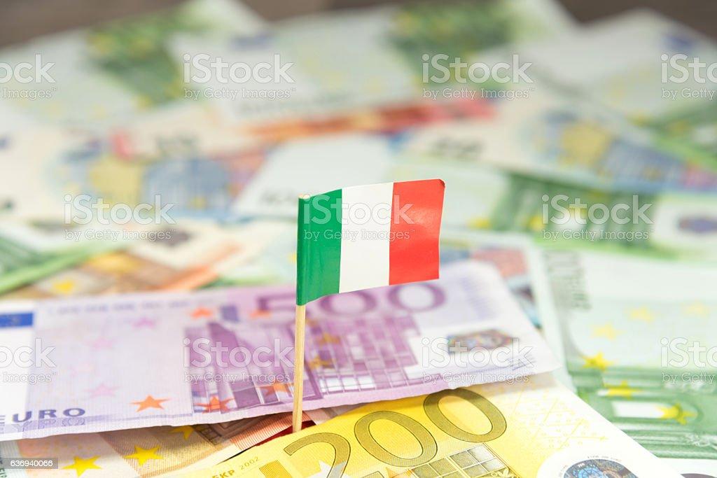 Italienische Flagge und Geld – Foto