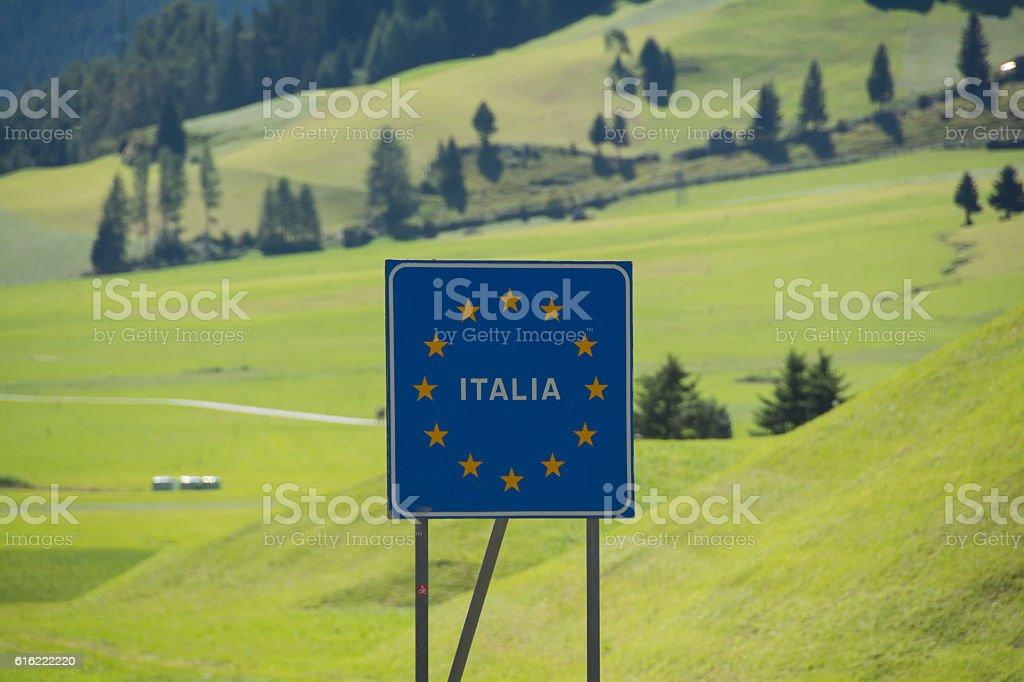 Italy bordersign at Reschenpass – Foto