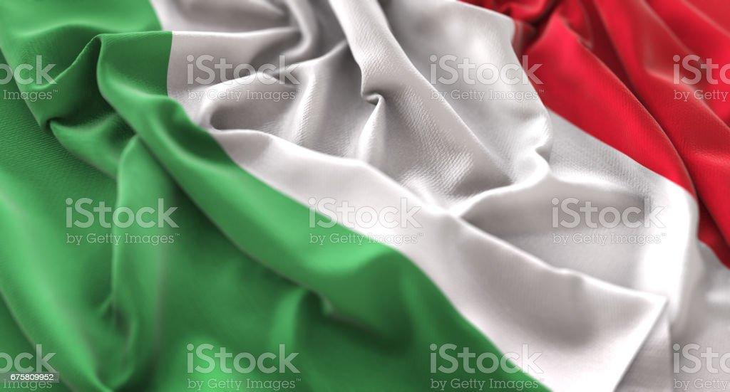 Bandera de Italia con volantes agitando muy bien toma de primer plano Macro - foto de stock
