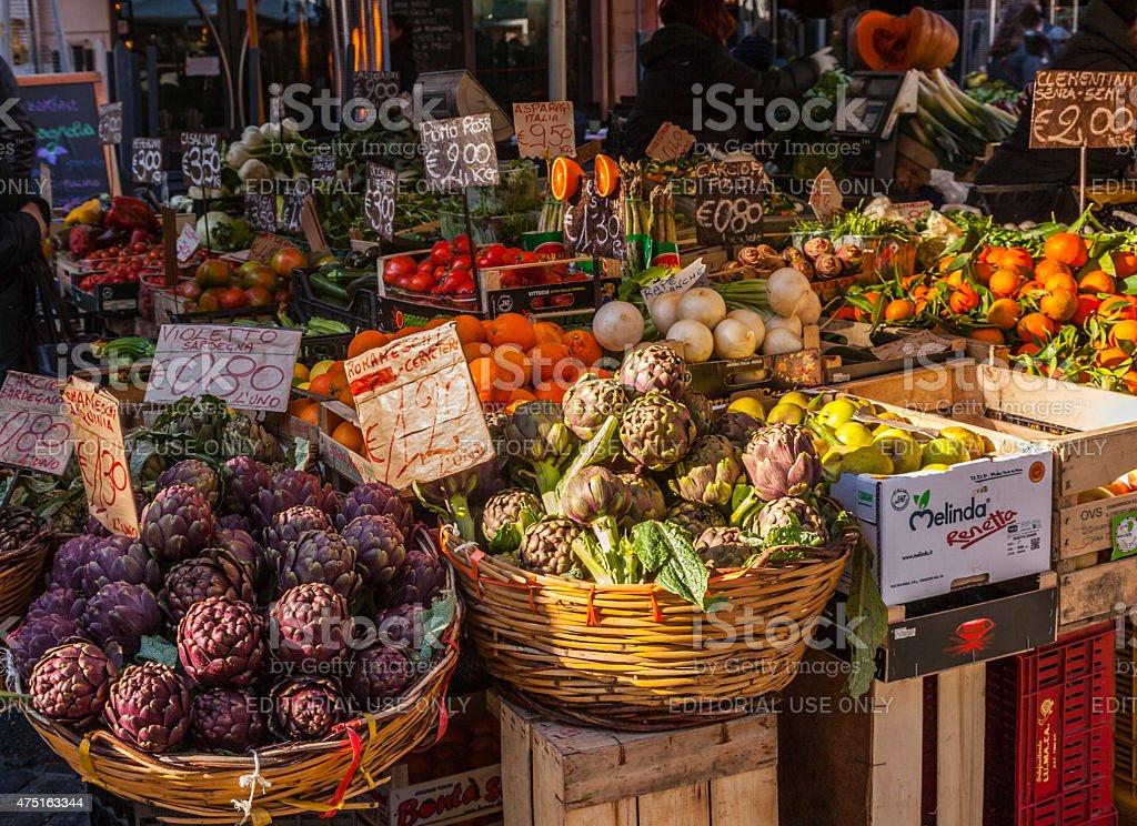 Italia.   Roma.   Campo dei Fiori di mercato - foto stock