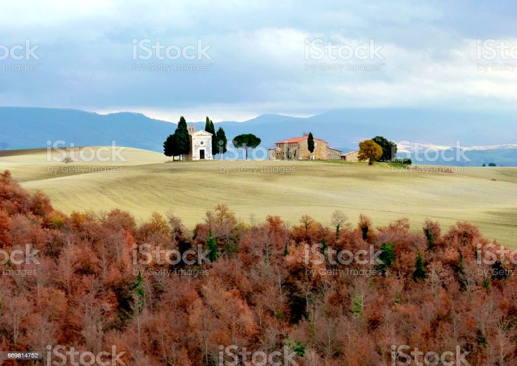 Italy, Tuscany, Maremma, view of the Tuscan countryside and the Chapel of Our Lady of Vitaleta, San Quirico d'Orcia stock photo